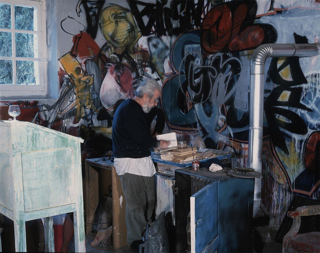 Dado u svojoj sobi u Eruvalu, 2002. godine.