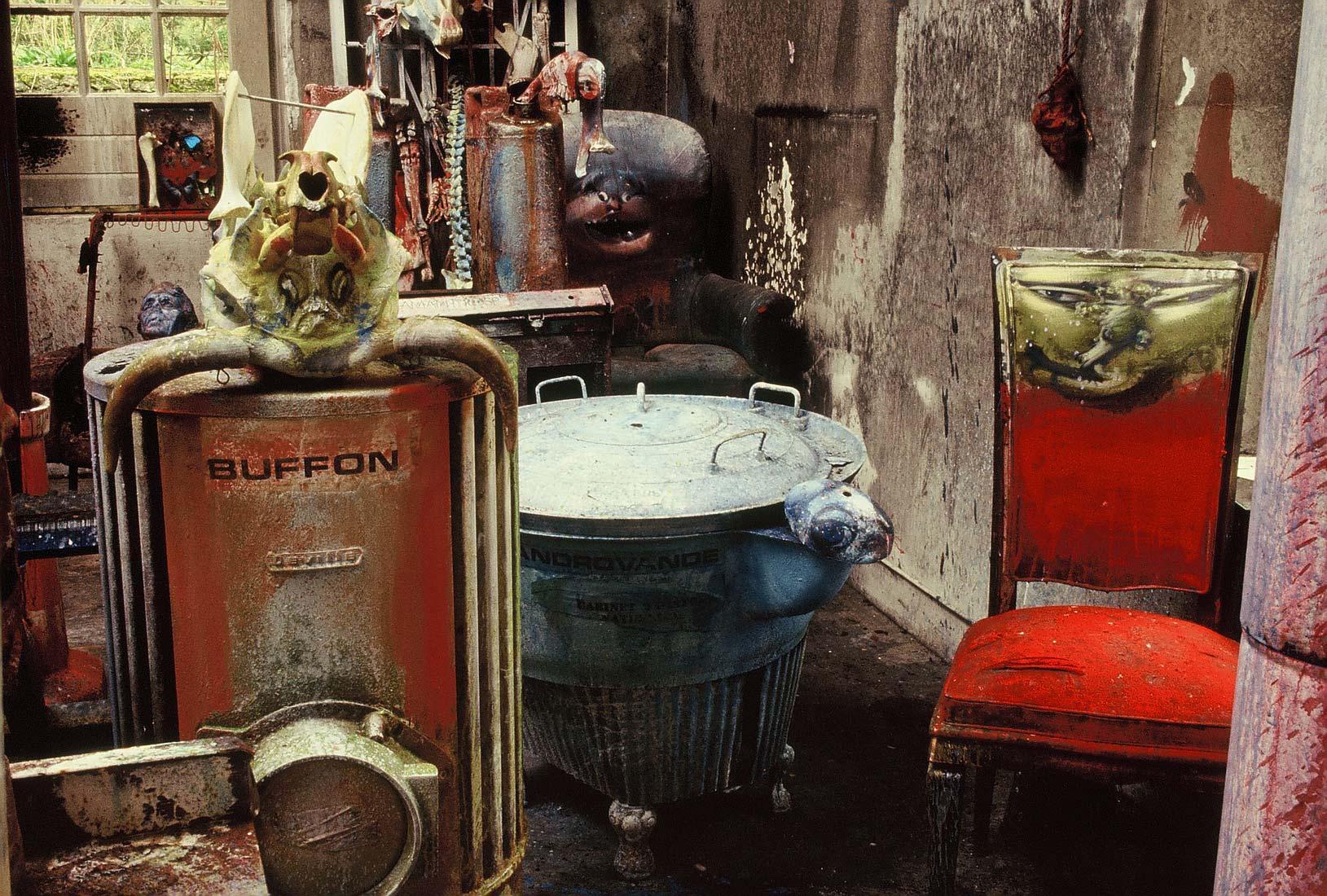 Dadov atelje par mjeseci prije požara 1988. godine.