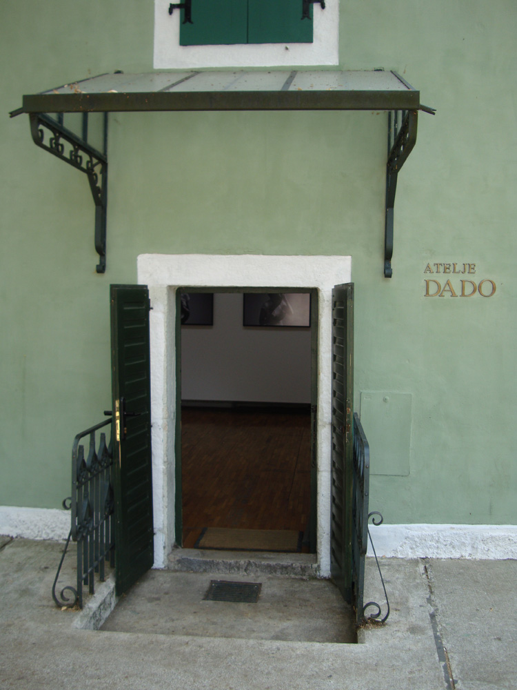 The entry of Atelje Dado