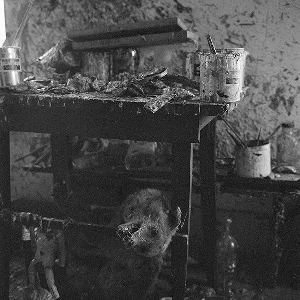 L'atelier de Dado à Hérouval dans les années 1960