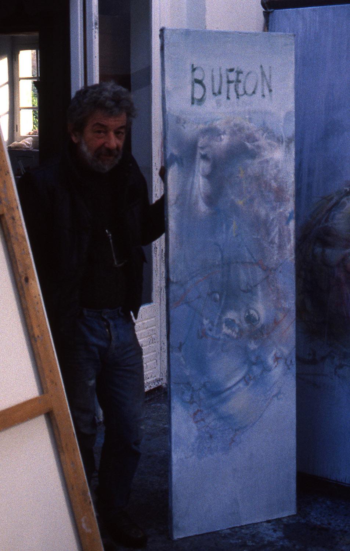 Dado at his studio in Hérouval in 1986